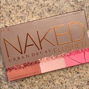 Urbane Decay Naked Flushed in Native